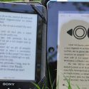 e-book reader si tableta expuse la soare